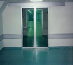 درب شیشه ای تلسکوپی